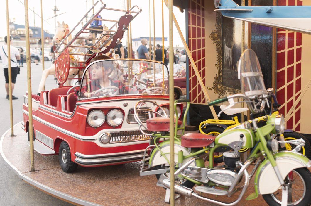 Instructive story child and playground